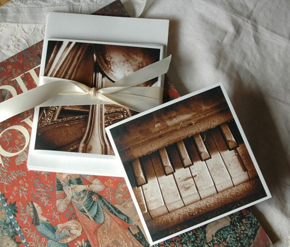 Square vintage style note cards -- set of 4