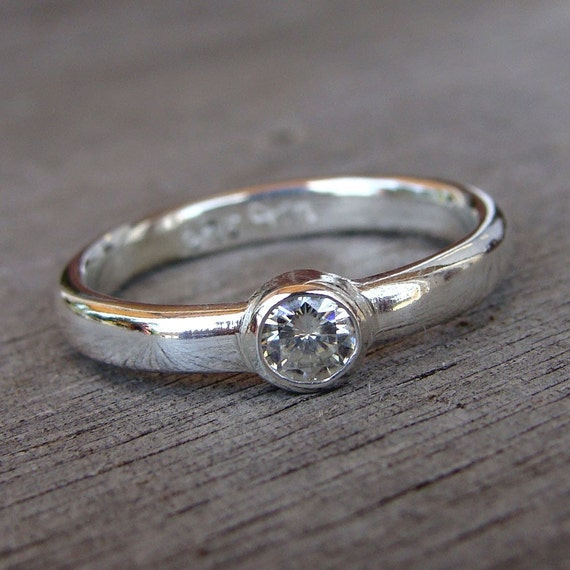CLEARANCE - Moissanite and Recycled Sterling Silver Solitaire Ring, size 6