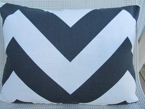 Sale-New One Black and White Zig Zag 12X16 Lumbar Pillow Cover Zipper closures