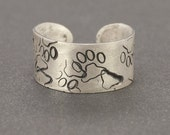 Paw Prints Allover Toe Ring in Sterling Silver for Animal Lovers