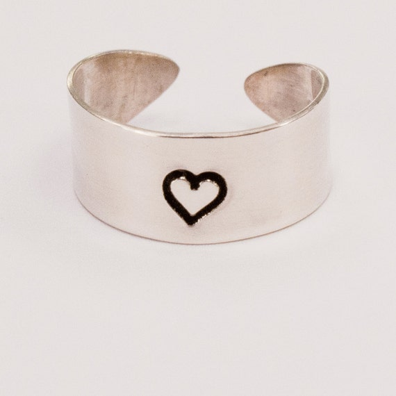 Single Heart Toe Ring Adjustable Cuff Style in Silver