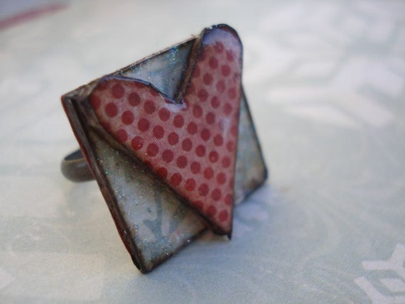 wiNter hoLidAy reD and piNk poLka dOt heArt riNg