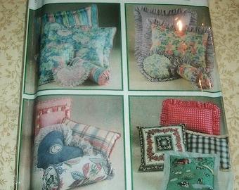 Simplicity Design Your own Easy Pillows