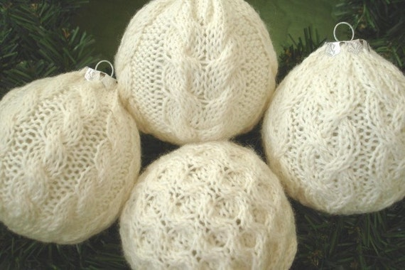 Deck the Balls with Aran Christmas ornament knitting pattern