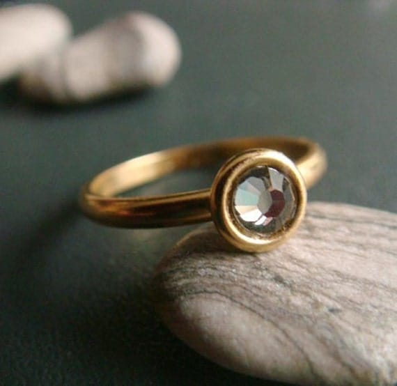 bubble . gold 4mm . shadow . simple rhinestone stacking ring
