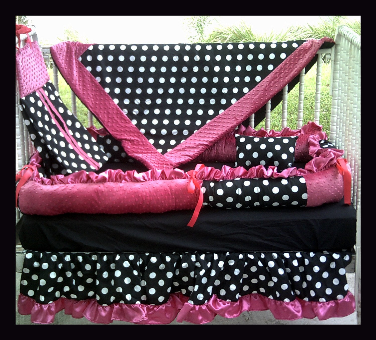 Polka dot bed spreads -  Bedding Black And White Polka Dot And Hot Pink Fabrics Zoom