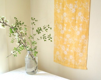 pure linen dish cloth. butter yellow