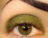 OakMoss (Mossy Green with a hint of shimmery gold) Sobe MineralEyez Eyeshadow Mineral makeup Eye shadow Eyeliner (5g)