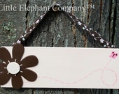 Daisy Name Sign - FREE Personalization