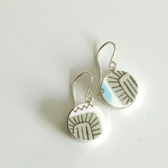 Simple Circle Sterling Silver Recycled Plate Earring - Green Mod Atomic Temporama - Recycled China