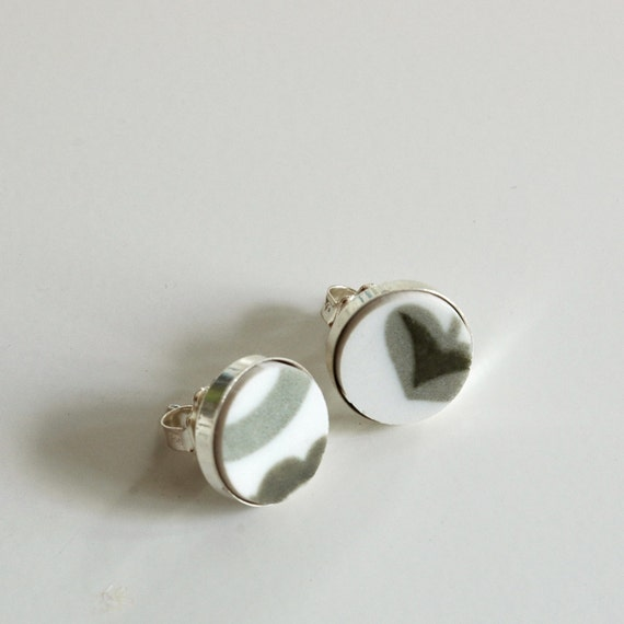 Simple Circle Sterling Silver Recycled Plate Stud Earring - Olive Green and White