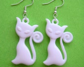 Pretty Kitty Earrings - White