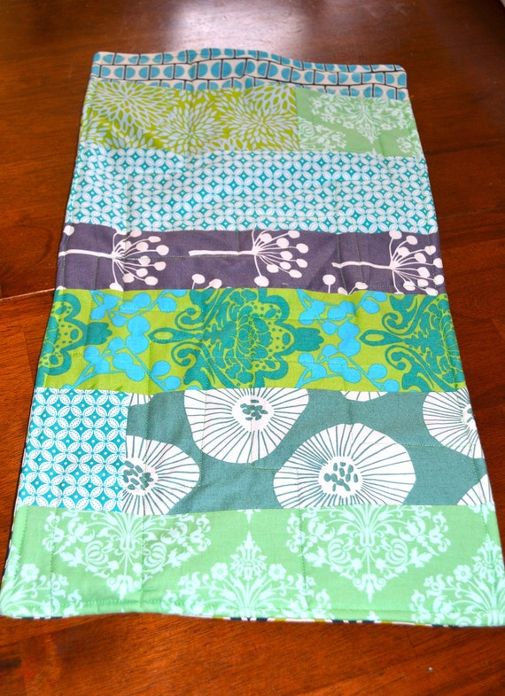 Table Topper/Placemat - Modern Blue and Green