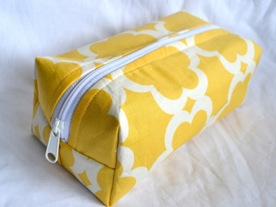 Boxy Cosmetic Pouch with Zipper - Yellow Floral Tile