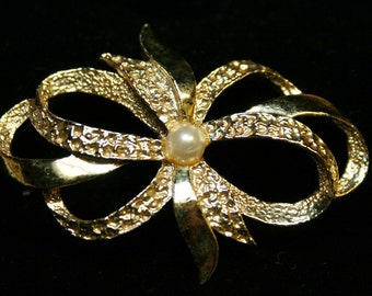 Ribbon Brooch - Signed Vintage Piece - 1960s