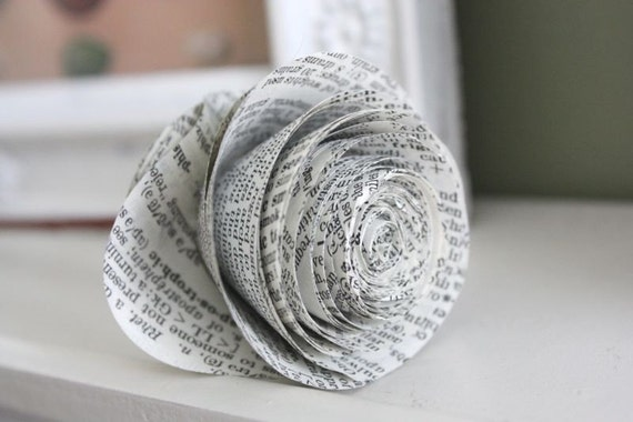 paper roses. repurposed dictionary.  large. set of 5