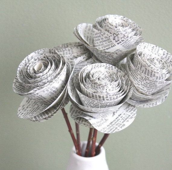 rolled paper roses. repurposed dictionary. recycled dictionary. large set of 5