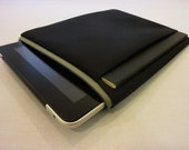 mattt - iPad & sketchbook sleeve - grey and black striped lining with a light grey zipper