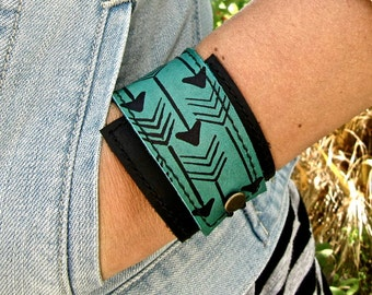 Leather Cuff Bracelet Wrap, Arrow Print in Black & Turquoise