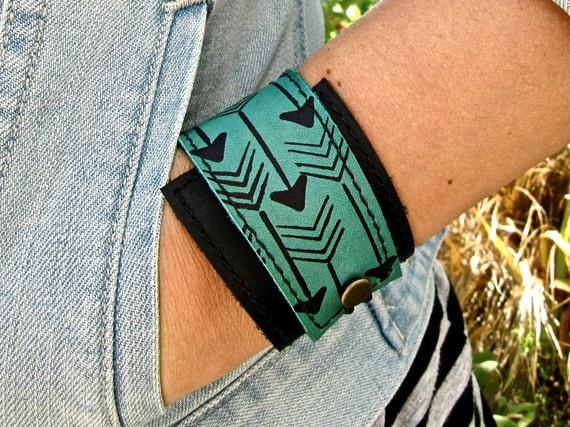 Leather Cuff Bracelet Wrap, Arrow Print in Black & Turquoise