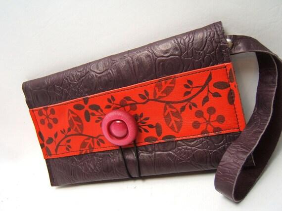 SALE L'Amour  LEATHER Wrist Wallet Deep Purple, Red