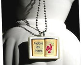 Literary Quote Necklace - Love Books - French