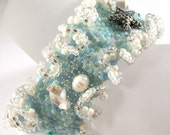 Peyote beadweave, Pearls and Shell Bracelet - Ocean Ruffles