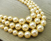 Luxurious three-strand pearl necklace