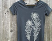 Womens Graphic Tee - Organic Cotton Jersey T Shirt - Womens Tee Shirt - Grey Tee Shirt - Ladies Screen Printed TShirt- Peacock Feathers