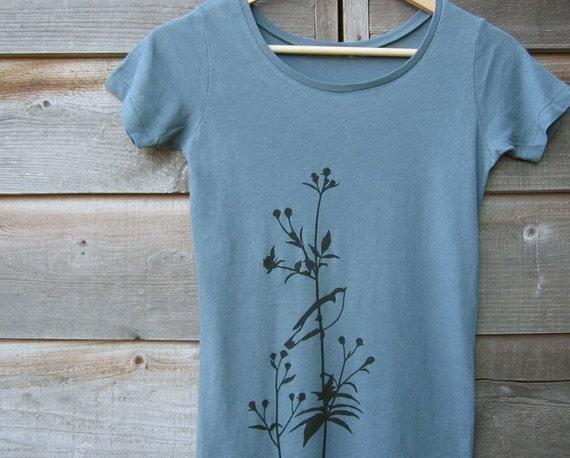 Organic T-shirt with Songbird on Flower - Women's Scoop Neck Earth Ocean Blue