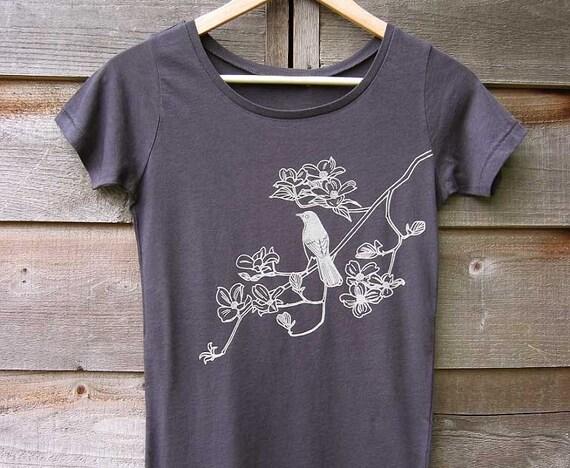 Organic Cotton T-shirt with Songbird on Dogwood - Women's Scoop Neck Gray