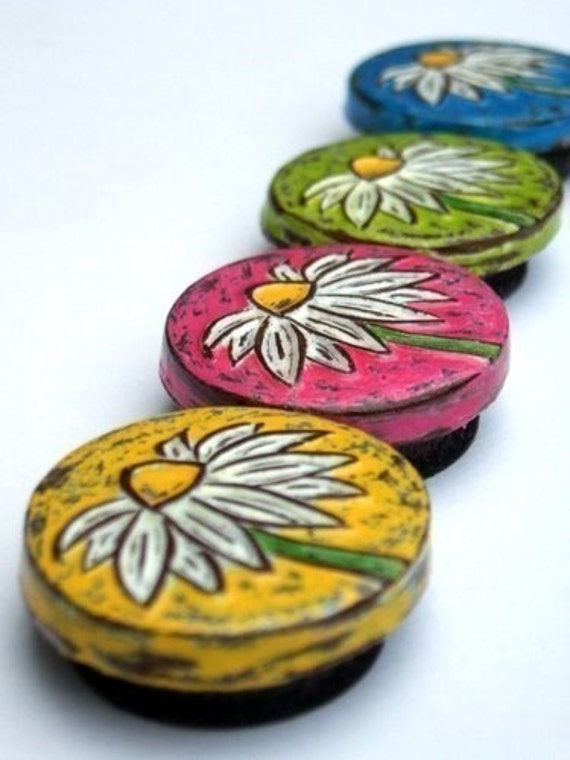 Daisy Magnet Set, Housewarming GifyYellow, Pink, Green and Blue Refrigerator Magnets, Gift for Mom, Teacher Gift, Coworker Gift, Wife Gift