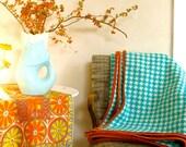 Pendleton Wool Blanket Throw Large Scale Houndstooth Checked Turquoise White Burnt Orange Velvet Binding