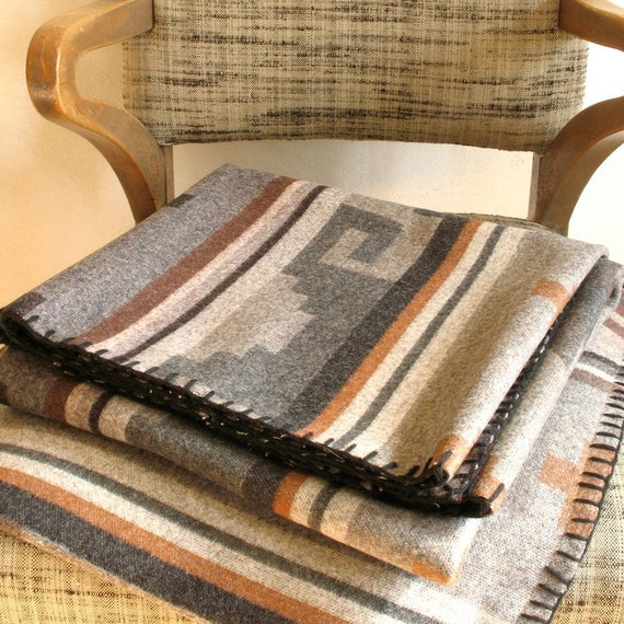 Pendleton Wool Blanket With Zippered Carrying Case Native