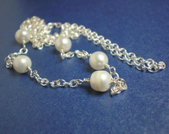 Pearls n Chains Necklace - Classic Modern