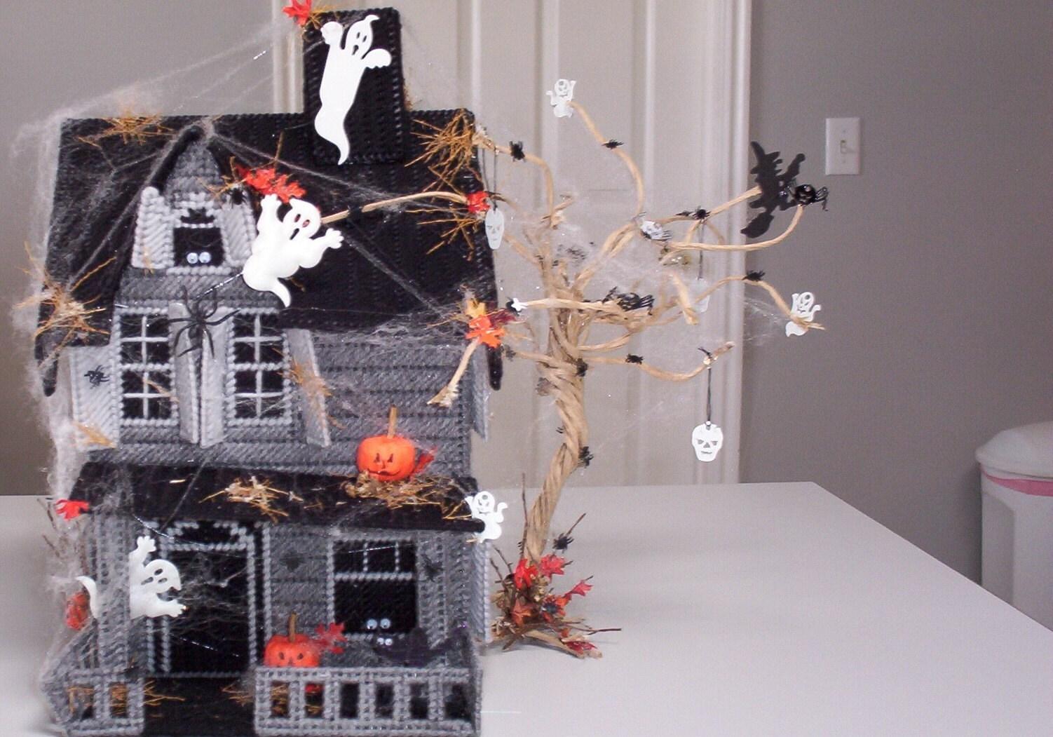 Halloween Haunted House table plastic canvas decoration - Plastic Halloween Decorations