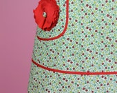 Womens Hostess Apron with Fabric Flower Pin in Darling Daisy
