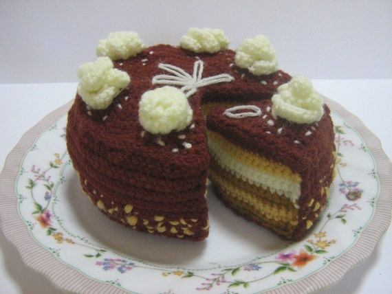 Cake Crochet Pattern Crochet Food Pattern PDF Instant Download Butter Cream Chocolate Cake (whole and sliced)