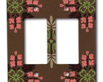 Brown Geometric Leaf 1950's Vintage Wallpaper Double Decora Plate