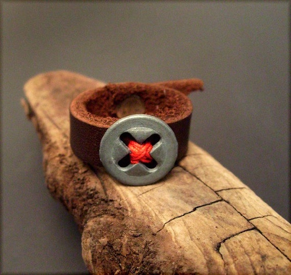 R998 little brown button ring