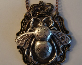 Beautiful Victorian THE INSECT KING Fly Necklace Pendant New Steampunk