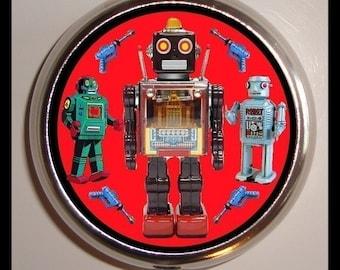 ROBOT Ray Guns Pill box Pillbox Case Holder New Retro Kitsch Science Fiction Sci Fi SF Geekery Geek Nerd Techie Tin Robot Japanese