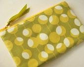 Handmade zipper pouch - olives