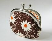 coin purse - daisies on brown
