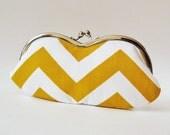 Eyeglass case - yellow chevron stripes
