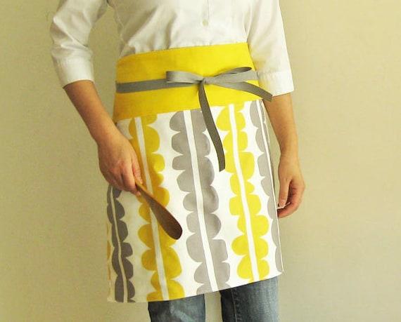 Reversible half apron - yellow gray modern scallop pattern