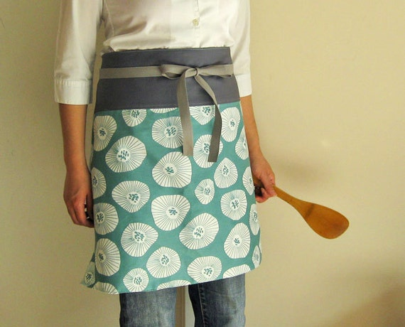 Reversible half apron - flowers on seafoam gray band