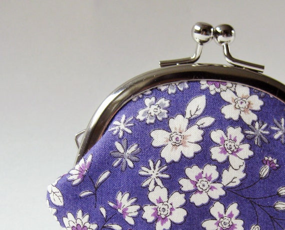 Coin purse - small flowers on violet