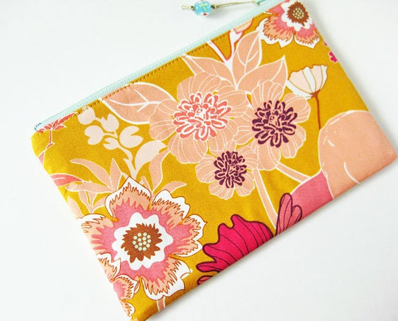 Zipper pouch - flowers on gold