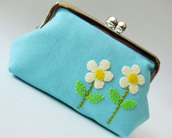 Cream mod flowers on aqua blue purse